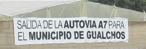 Salida de la autovía para el municipio de Gualchos cartel principal.